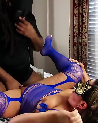 Roc Bundy smashes blonde mask wearing milf with his fat cock while she dances and twerks her PAWG whooty ass doggystyle