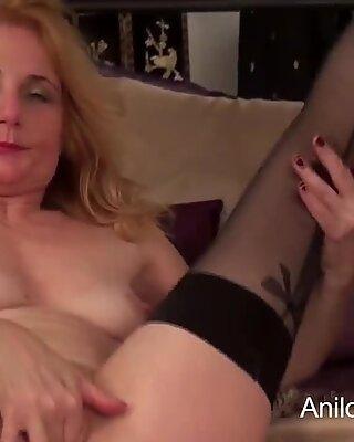Первая порнография видос для Секси Бабуля