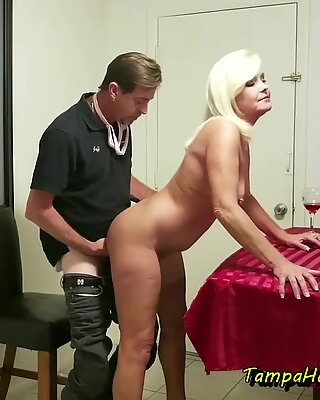 The Horny Stripper Housewife Gets a Facial