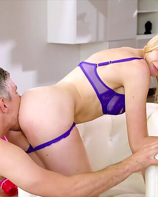 TUSHY Hipster Beauty Can Never Get Enough Anal