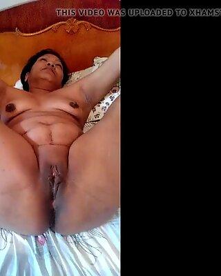 Dirty slut Sammi fingering show 2