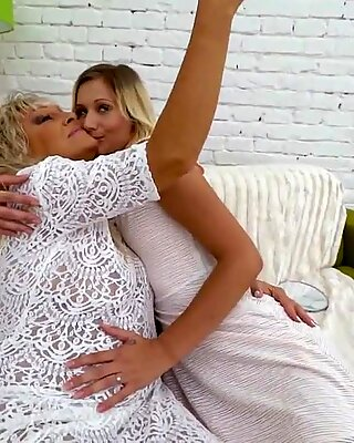 Gilf and her younger lesbo friend - Magdi, Pamela jiggly