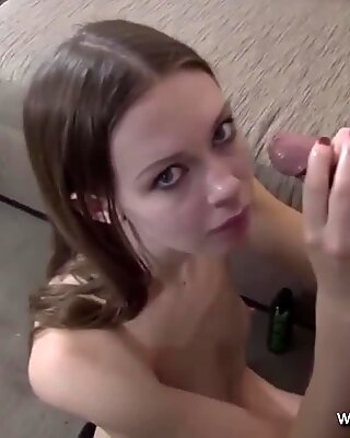 The Moment to Cumshot on Face that Cover her whole Face
