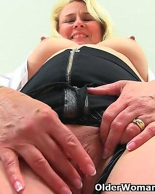British milf Michelle needs to pleasure her love hole