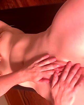 Апрель Души сквирт массаж оргазм
