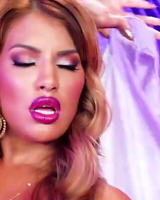 Orgasmic belly dance makes Mercedes hungry for cock