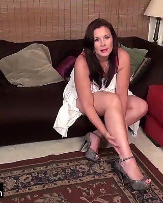 USAWiveS Curvy BBW Mature Dylan Jenn Masturbating