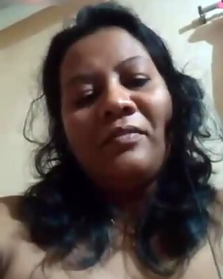 Desi bhabi big pussy fingering