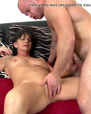 grandma seduced by youthfull strong fellow