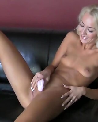 Explosive gratifying from wild babe