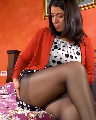LatinChili Chubby Grandma Sex Toy Masturbation