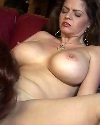 Stunning Milf Enjoys Licking Wet Cunt