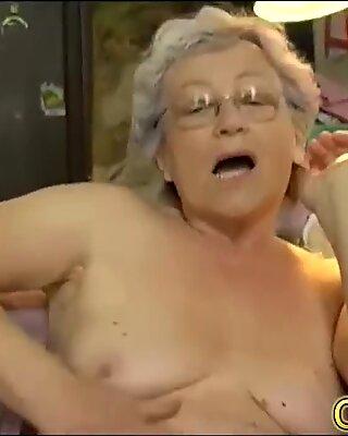 Omapass голая бабушка выпендривание волосатые кадры