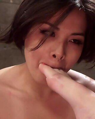 Detective anal fucks Asian deputy