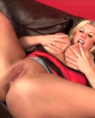 Plump blondie with huge droopy boobs Zoey Andrews sucks Ralph Long's cock