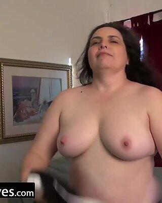 USAWiveS Mature Charlie Fox Solo Toys Masturbation