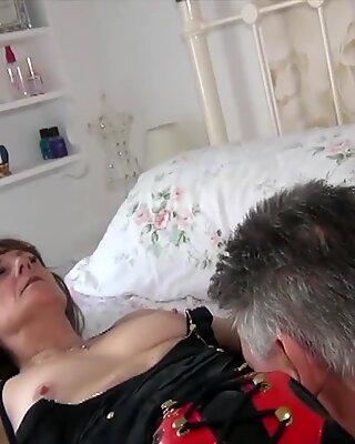 Agelove ебля секс с матурки партнеров