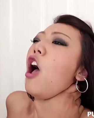Asiatisk søta Miko Dai fitte ødelagt