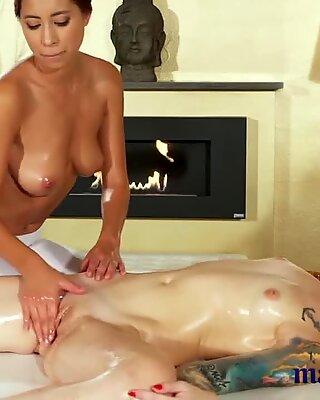 Массаж комнаты маслянистая лесбиянки секс для красивых большие сиськи азиатское милашка