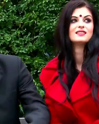 Koena Mitra & Fardeen Khan в Индийском Болливудской сексе песня!