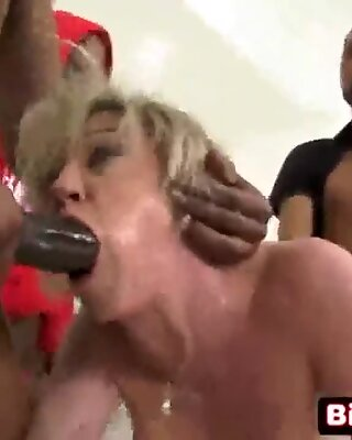 Husband Is Happy To Watch His Hot Cougar Wife Fucked - Dee