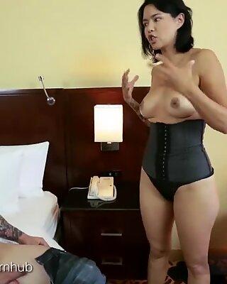 大现实的性交录音带中的大奶子亚洲人熟妇