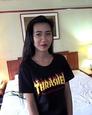日本人man射在阴户或肛门处的精液泰国人女孩在无码性爱录像中