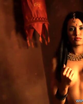 Bollywood Beauty Bae Naked In Asia