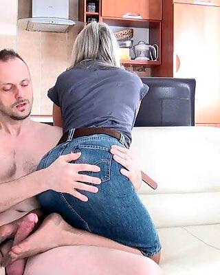 Femdom GILF gives a hot footjob