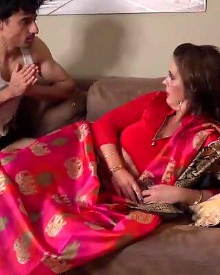 Terhes indus bhabhi szolgája szar a seggbe