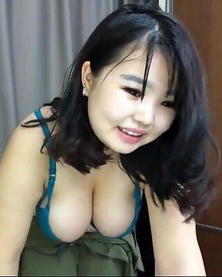 Chubby asian girl twerking on cam p8