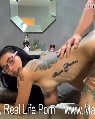 硬核做爱姿势与newcy泰国人纹身荡妇